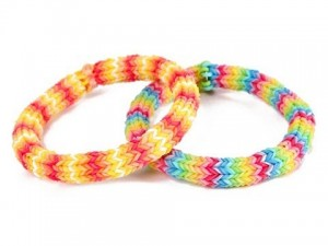 Rainbow Loom Bandjes